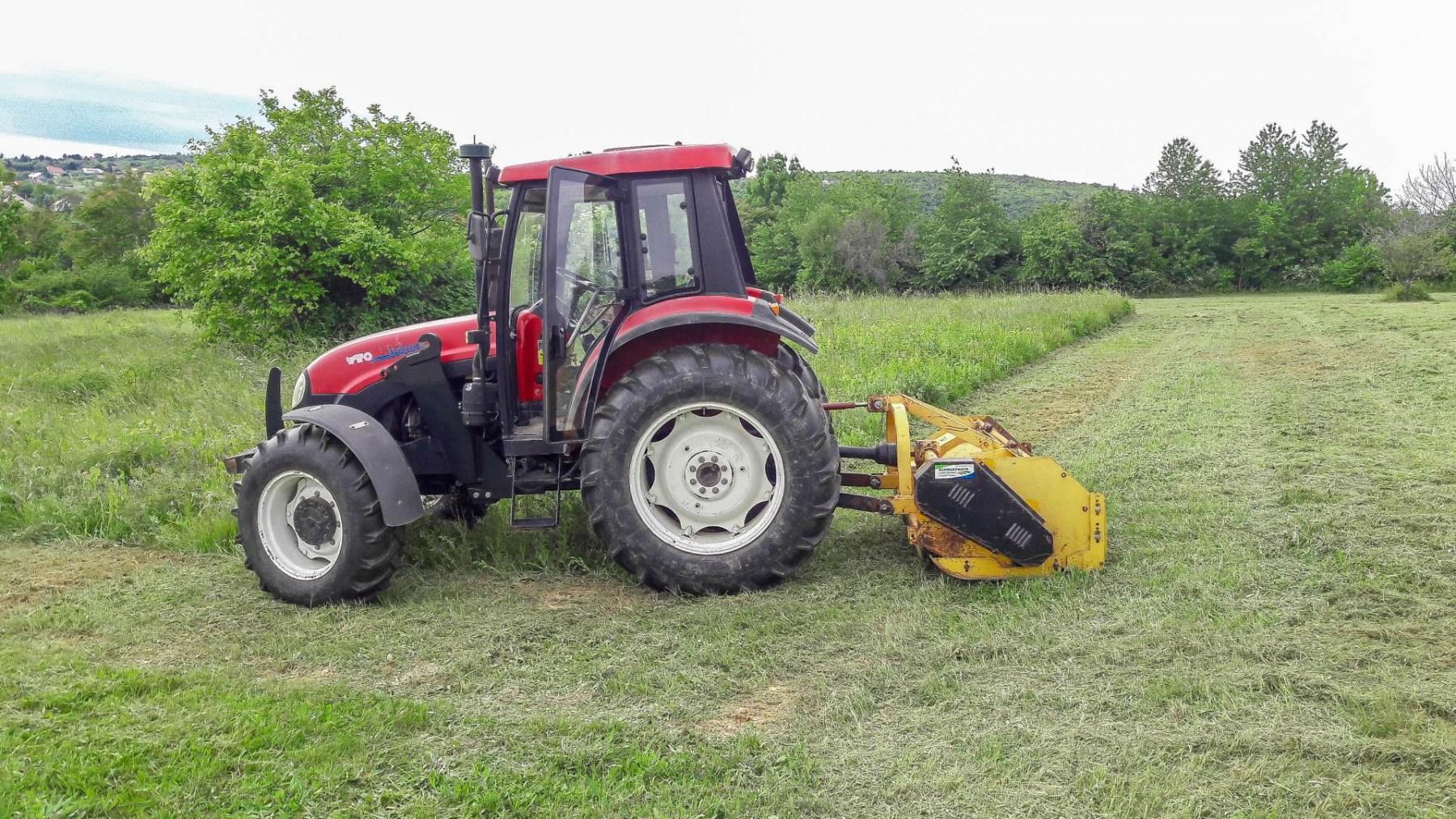 Nagy földterületek zöldterület kezelése
